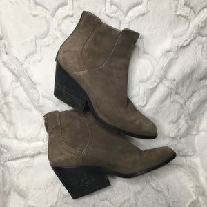 Eileen Fisher Vero Cuoio ankle booties size 7